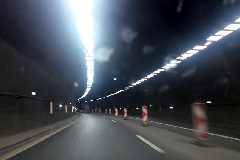 """За шофьорите: Правят профилактика на осветлението в тунел """"Блатино"""" на """"Стр"""