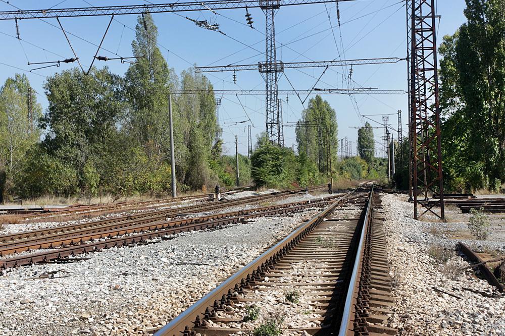 Тръгва ремонтът на 20 километра железопътна връзка между Елин Пелин и Вакар