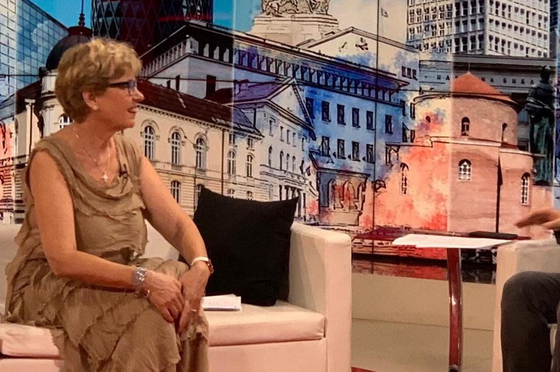 Министър Комитова: Очакваме проф. Герджиков да се произнесе за разрешително