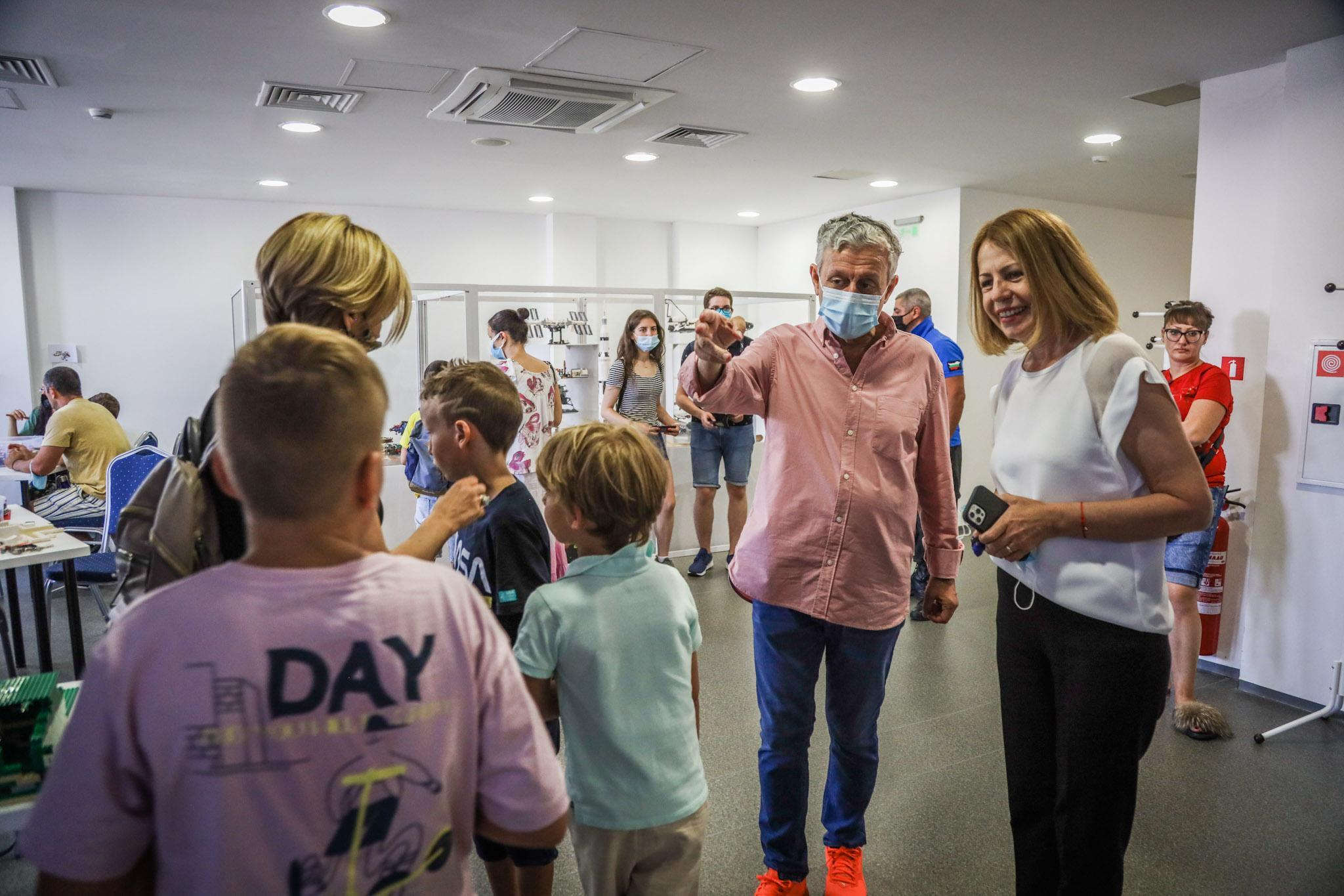 Кметът на София  посети творческите работилници в предстоящата видеоконфере