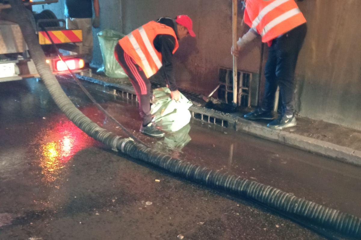"""Продължава чистенето на тунела на """"Лъвов мост"""" след пороя над столицата"""