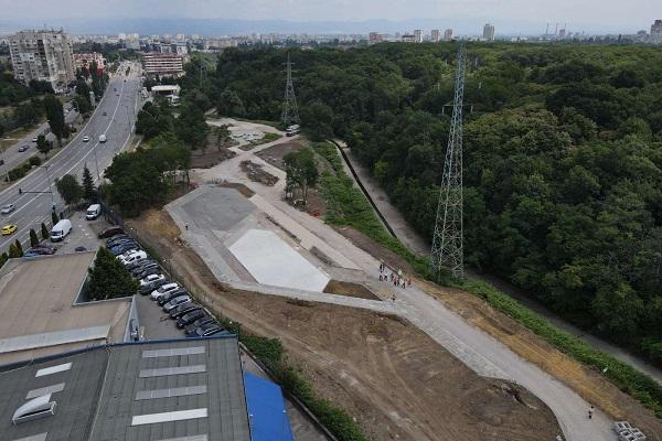 """Започва направата на пешеходен мост в линейния парк в """"Люлин"""""""