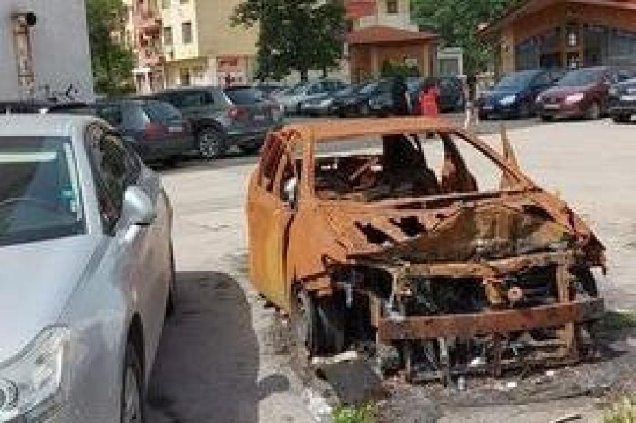 """Обгорялата кола в """"Илинден"""" е обект на престъпление"""