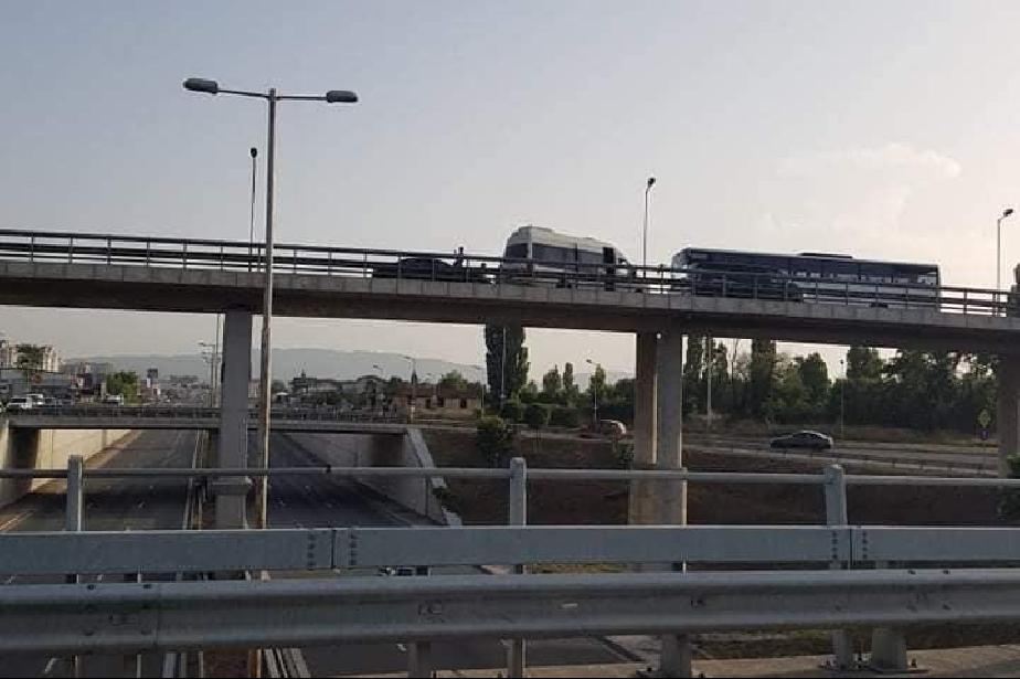 """Катастрофа с автобус, микробус и лека кола на моста на бул. """"Европа"""" към Бо"""