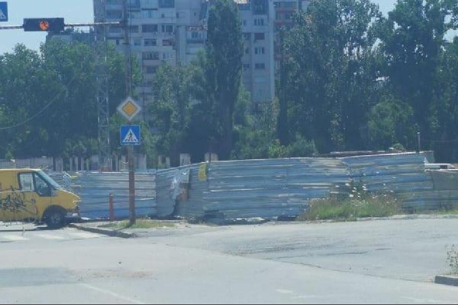 """От ДНСК: Изкопът на """"Осми декември"""" няма документи за строеж трета категори"""