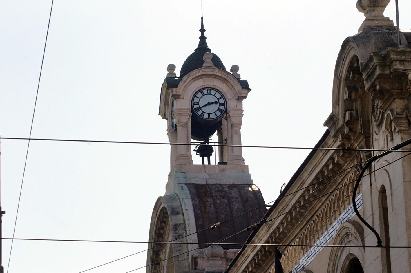 Спаси София и Борис Бонес с жива верига в защита на Централни хали