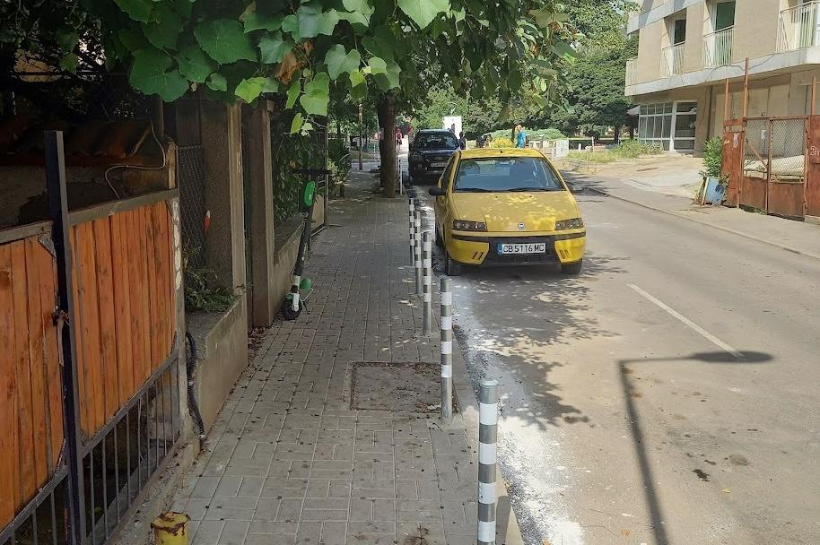 """Ремонтираха южния тротоар на ул. """"Кишинев"""""""