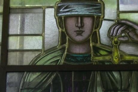 Военна прокуратура-София изправя пред съда четирима за убийство на жена в С