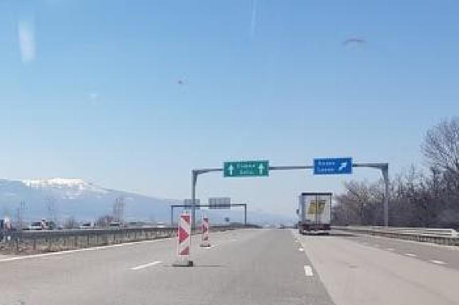 Катастрофа в бързата лента промени движението но Тракия на 32 км към София