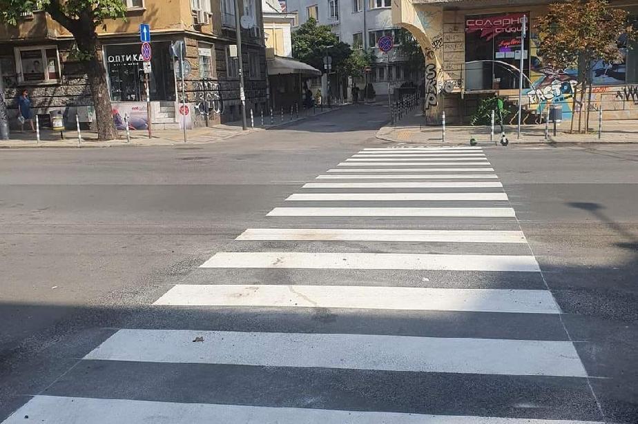 """Вече има нова пешеходна пътека на бул.""""Патриарх Евтимий"""" при ул """"Хан Крум"""""""