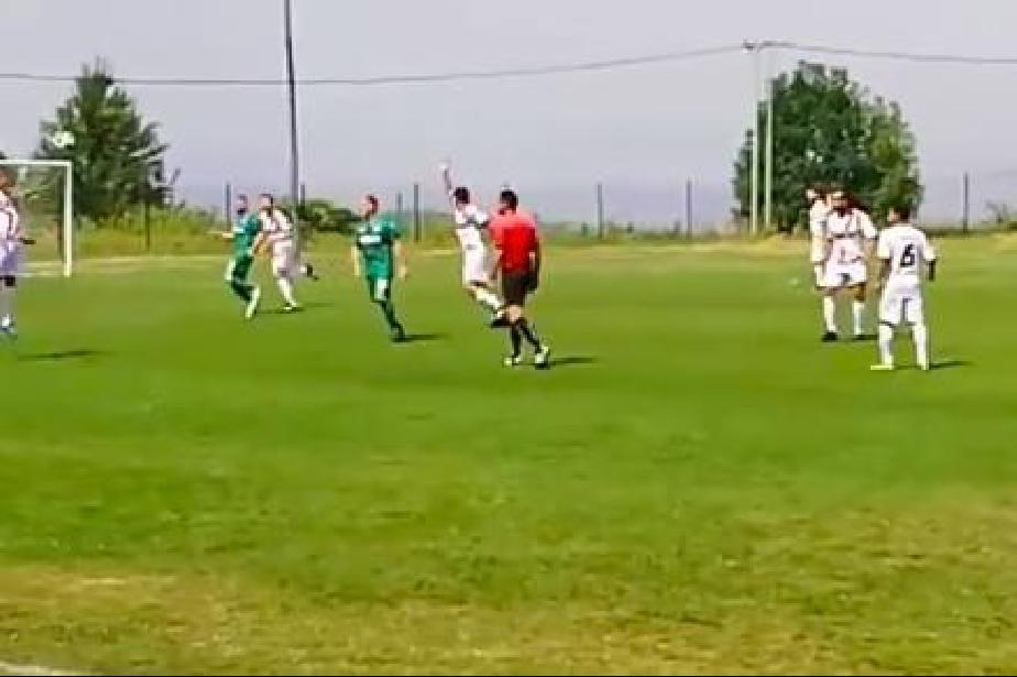 Бой и счупен нос на футболен турнир в софийското Железница