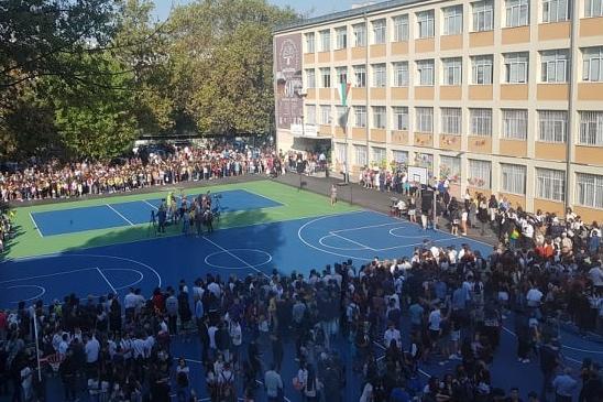 1620 са свободните места за I клас в София, търсят се учители и служители