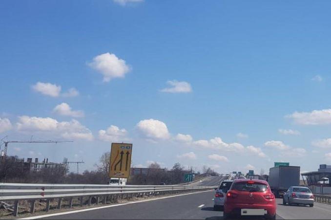 """Движението по 213 км на АМ """"Тракия"""" в посока София ще бъде само в изпреварв"""