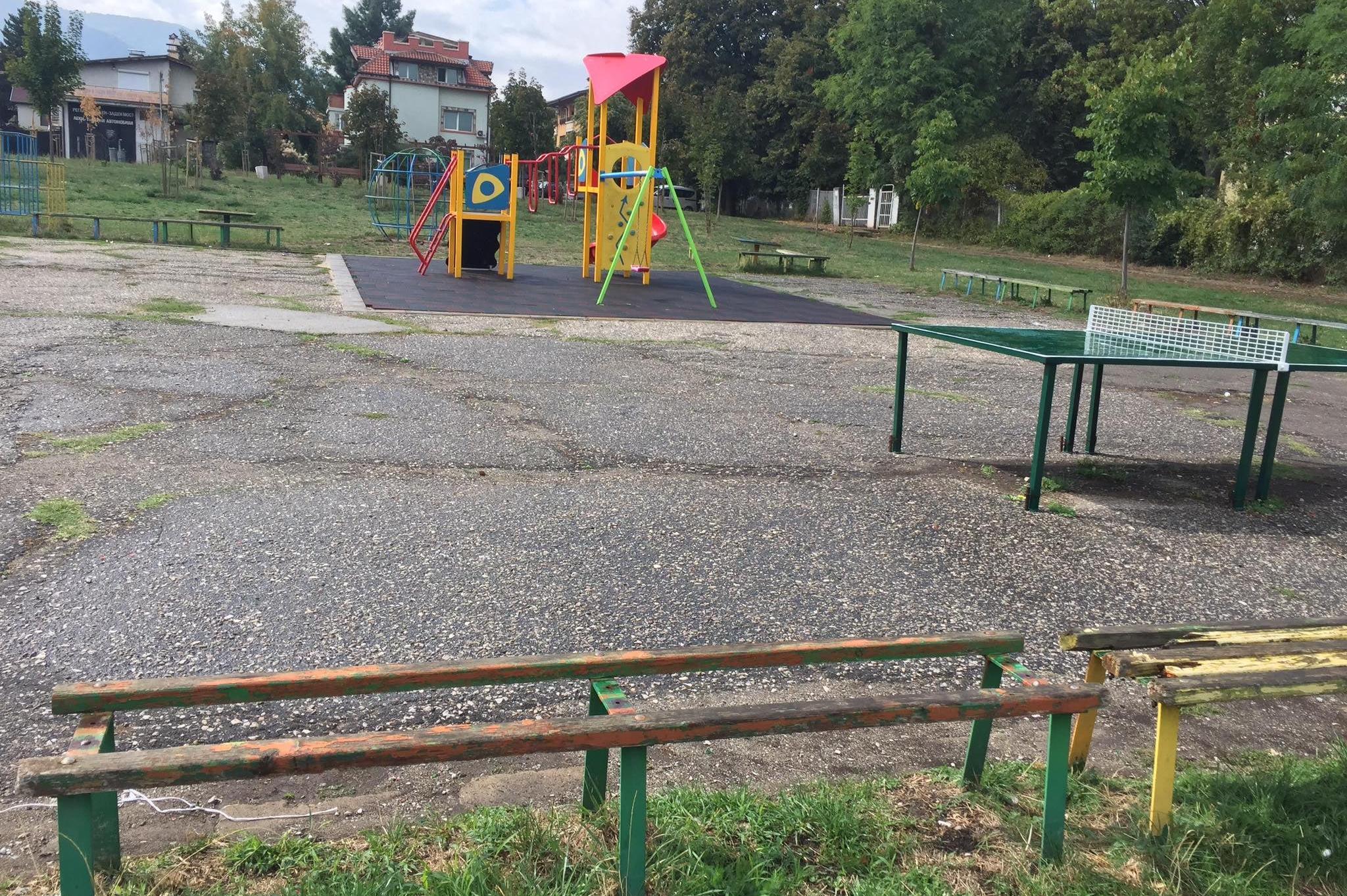 Заради липса на ограда в Княжево: Момиченце е със счупено краче на детска п