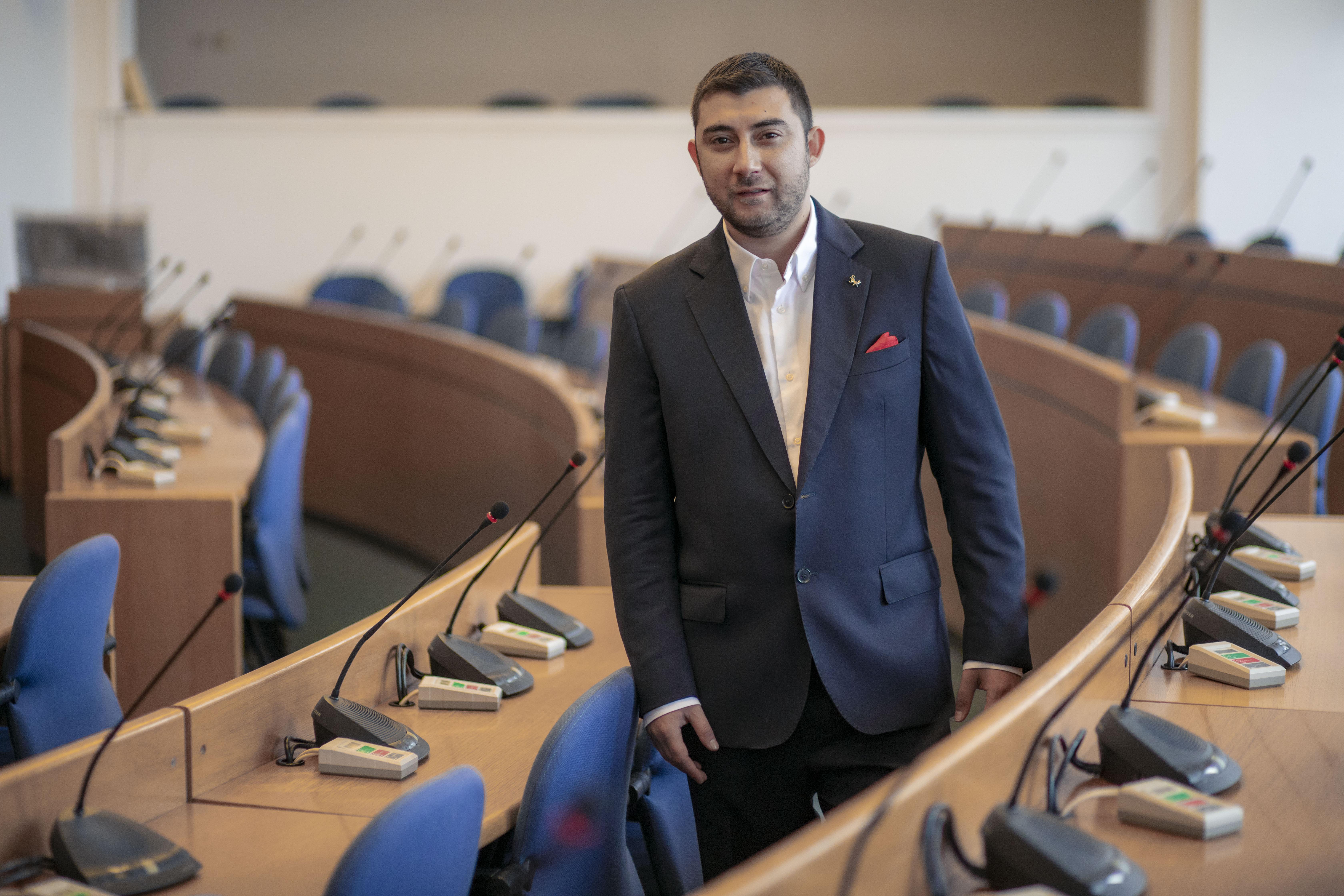 """Контрера, ВМРО: СДВР трябва да засили охраната на Женския пазар, на пл. """"Лъ"""