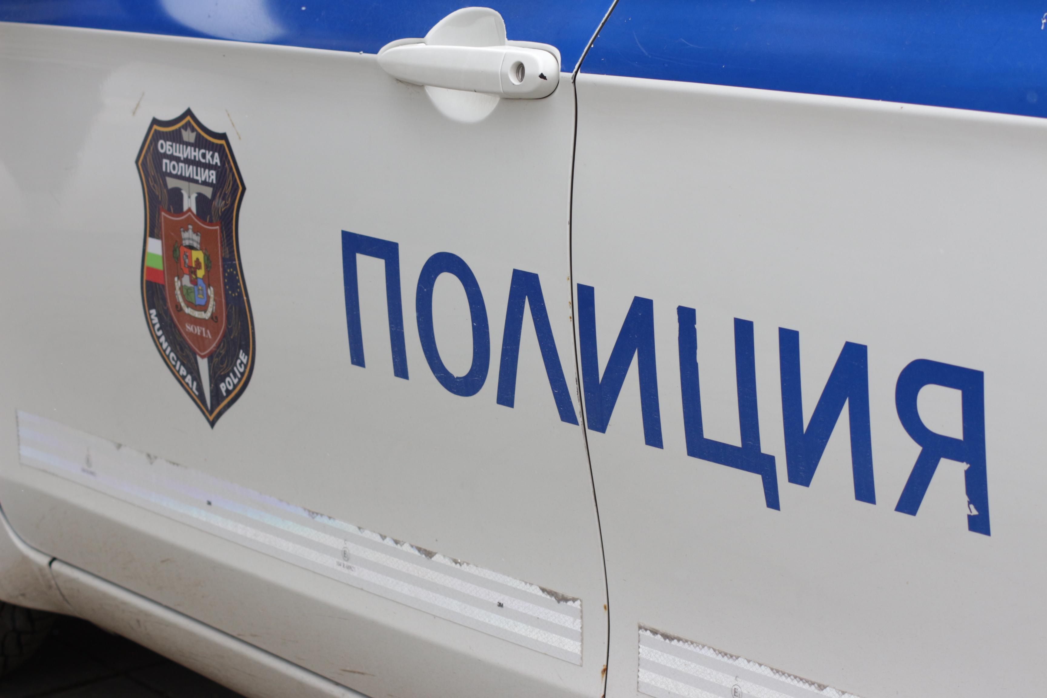Полицията задържа двама мъже за взломни кражби