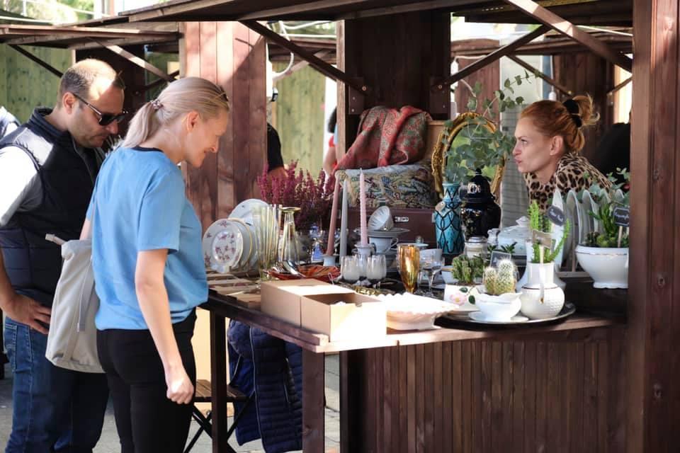 Изкуство, книги, цветя и храни в WEEKEНД ПАZAR промениха Женския пазар в ст