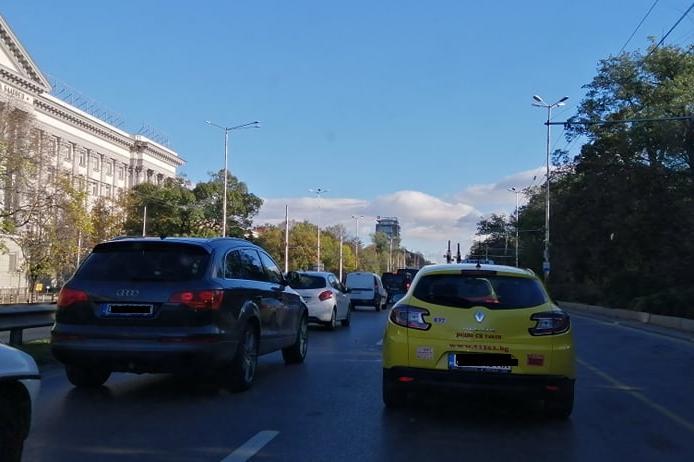 "Натоварен е трафикът в столицата около Паменика Левски, ""Евлоги и Христо Ге"