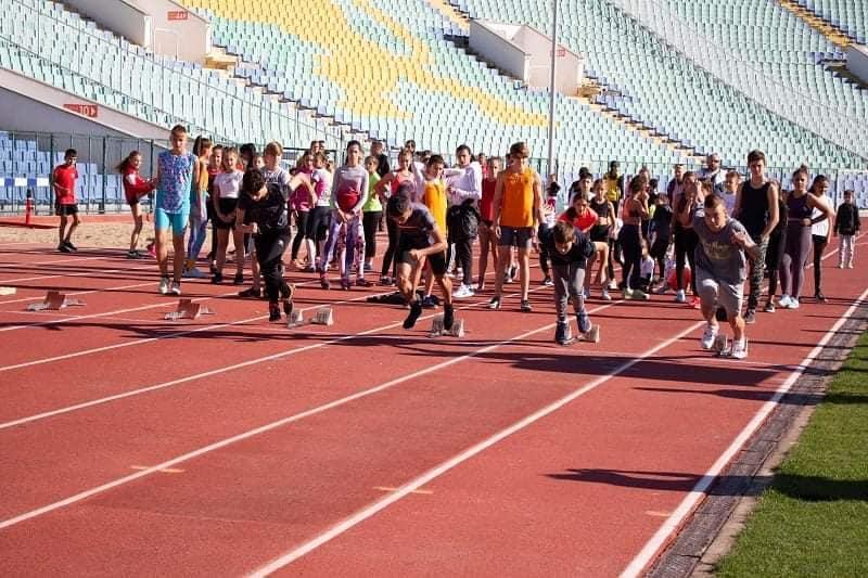 """Район """"Оборище"""" мотивира деца и възрастни да спортуват"""