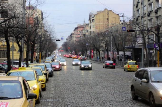 """Протест затваря столичните пл. """"Кн. Александър I"""", """"Дондуков"""" и """"Раковски"""""""
