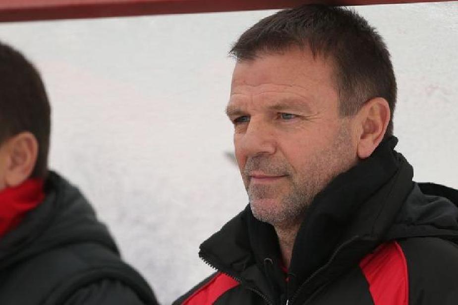 Треньорът на ЦСКА-София ще налага нова двойка в центъра на защитата