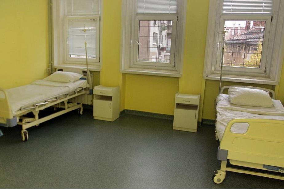 Ситуацията в столичните болници е критична, леглата отново не достигат