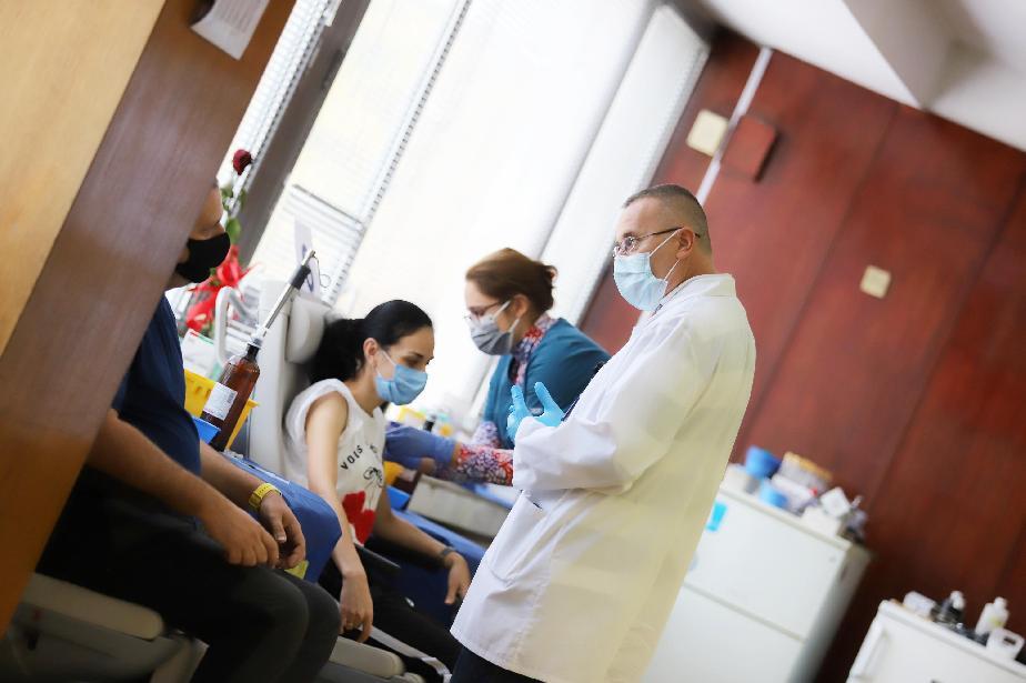 Във ВМА София се ваксинираха 390 през почивните дни